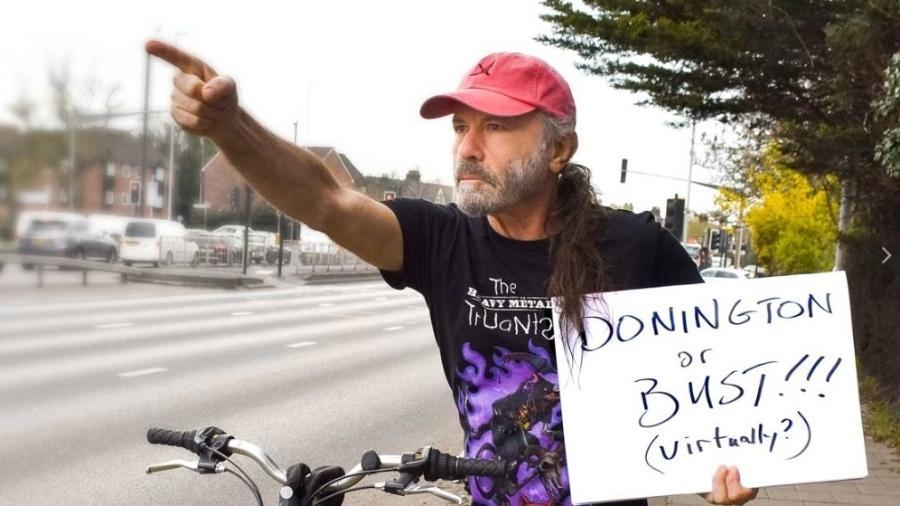 Bruce Dickinson, vocalista do Iron Maiden, divulga evento beneficente do Heavy Metal Truants - Heavy Metal Truants
