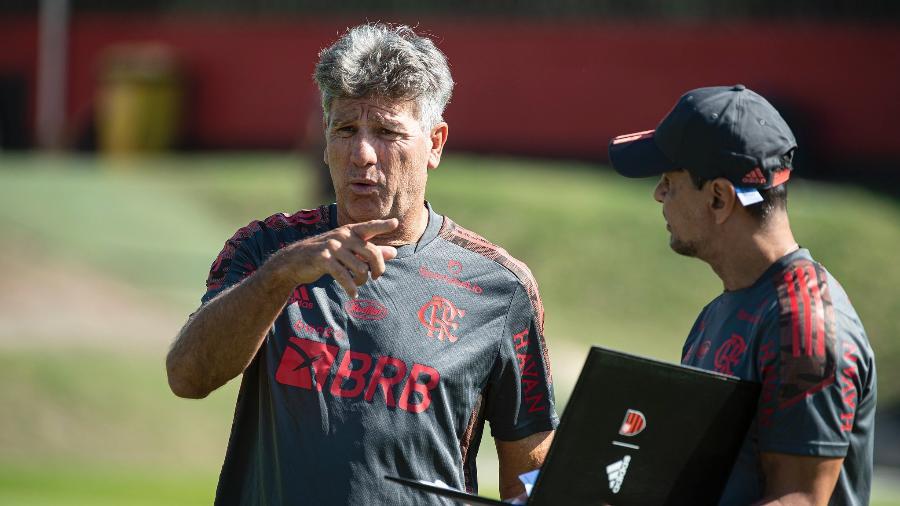 Renato Gaúcho observa treino do Flamengo - Alexandre Vidal / Flamengo