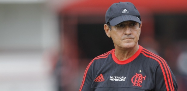 Muricy Ramalho comanda treino do Flamengo: atenção com desgaste do elenco