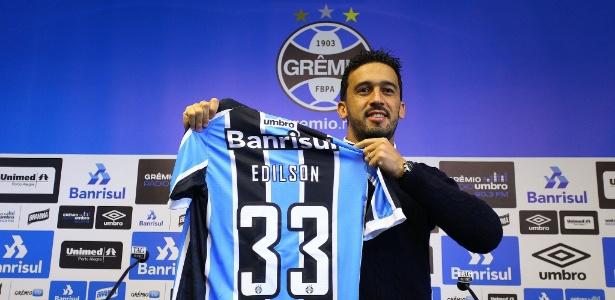 Edilson teve nome publicado no BID às 18h59 e está liberado para reestrear no Grêmio