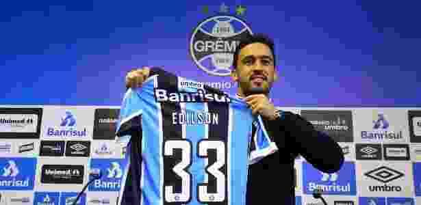 Edilson teve nome publicado no BID às 18h59 e está liberado para reestrear no Grêmio - Lucas Uebel/Divulgação Grêmio