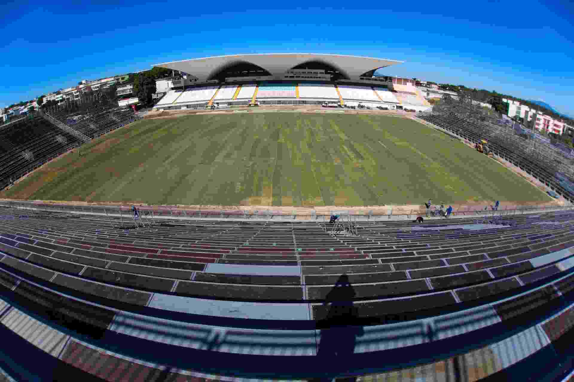 O Flamengo realiza obras da Arena da Ilha para a estreia no dia 8 de março - Gilvan de Souza/ Flamengo