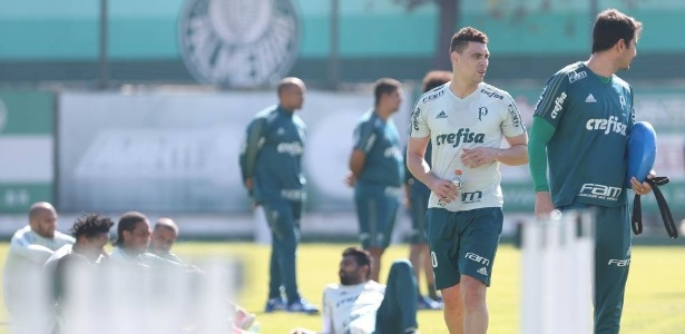 Moisés jogará no dia 6 contra o Atlético Paranaense, segundo o técnico Cuca