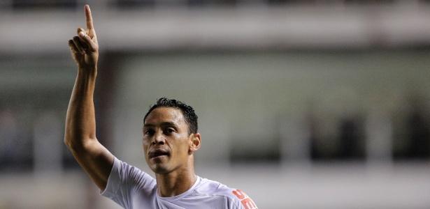 Ricardo Oliveira ainda não sabe se fica no Santos para 2018
