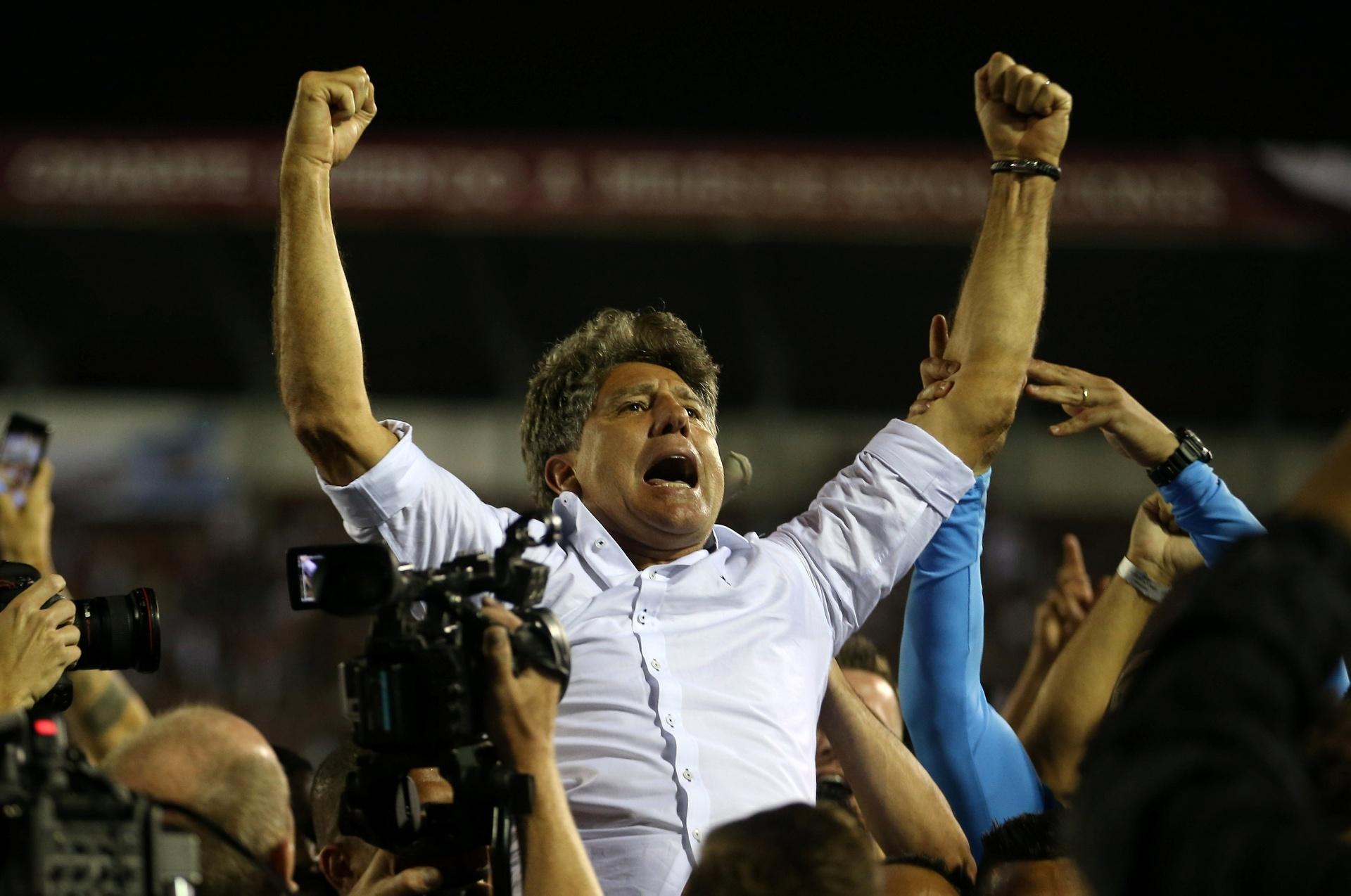 Renato completa 2 anos de Grêmio e passa de ídolo a