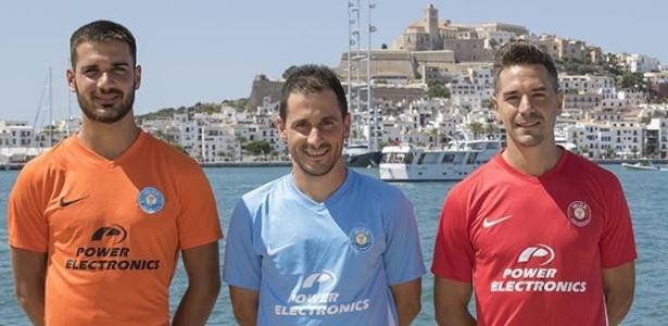 UD Ibiza apresenta uniforme para a temporada usando praia da ilha como cenário