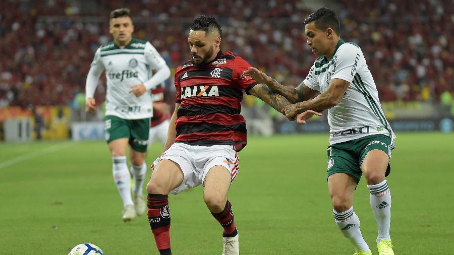 O lateral Pará comemora 200 jogos com a camisa do Flamengo - Thiago Ribeiro/AGIF