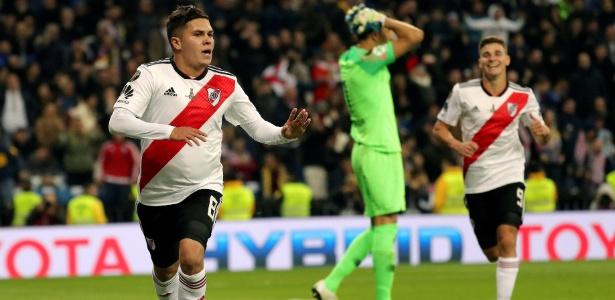Quintero comemora depois de decidir, com um golaço, a Libertadores de 2018