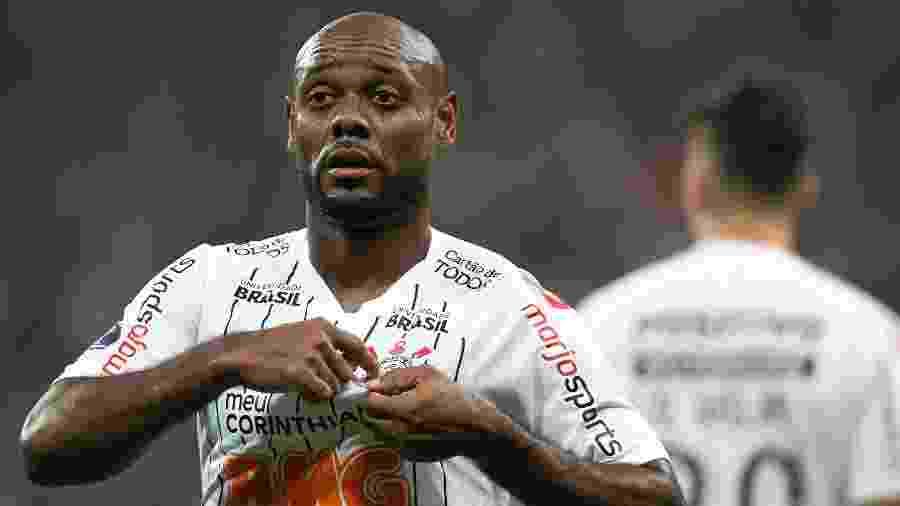 Vagner Love está em sua segunda passagem pelo Corinthians - Daniel Vorley/AGIF