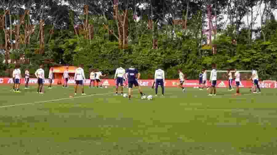 Além do lesionado Pato e do suspenso Hernanes, Tricolor pode ter mais dois desfalques amanhã - Arthur Sandes/UOL