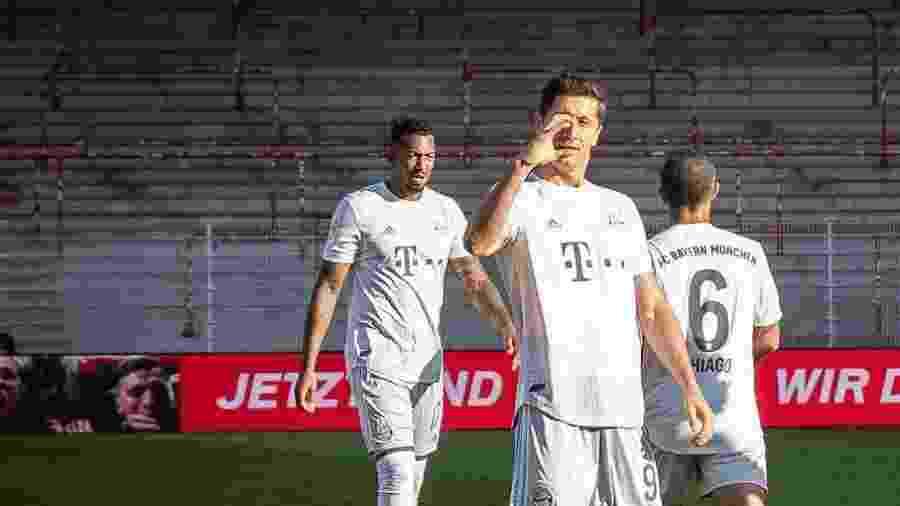 Lewandowski comemora gol marcado sobre o Union Berlin, seu 26º no Alemão - Reprodução/Twitter/F.C. Bayern München