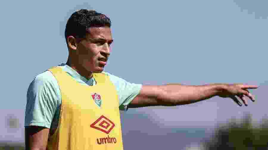 Liberado após quarentena de covid-19, Fernando Pacheco voltará aos treinos na quarta-feira no Fluminense - Lucas Mercon/Fluminense FC