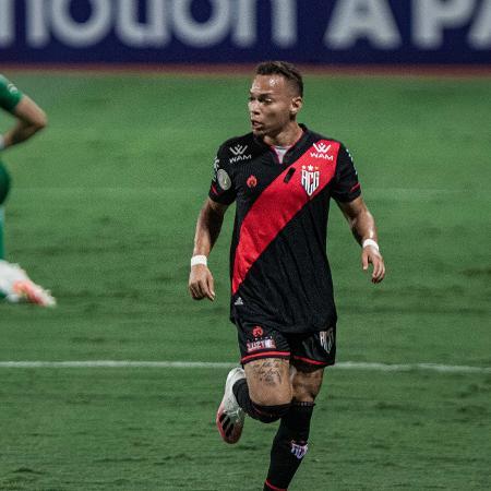 Janderson comemora gol do Atlético-GO contra o Red Bull Bragantino - Heber Gomes/AGIF