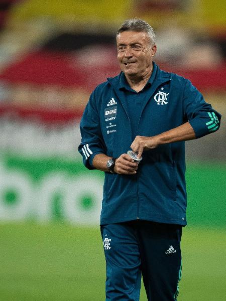 Domenec Torrent comanda o Flamengo contra o Athletico em jogo da Copa do Brasil 2020 - Jorge Rodrigues/AGIF