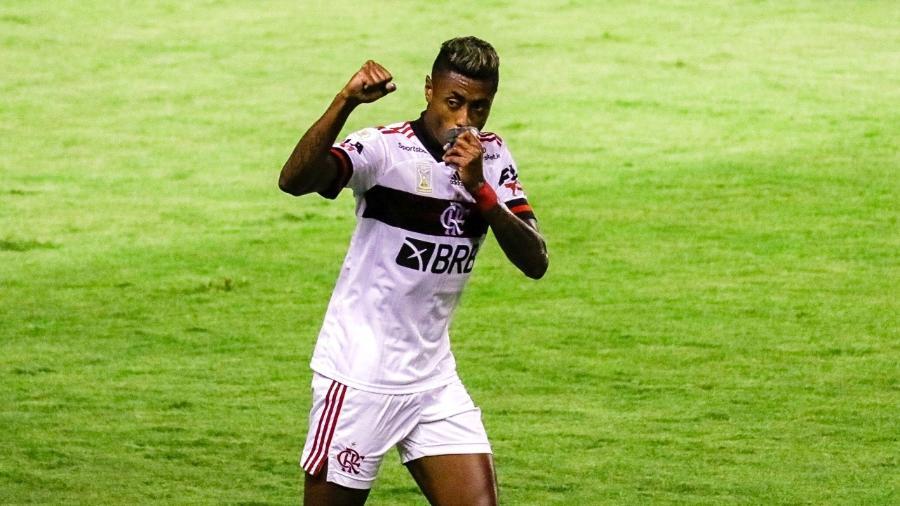 Bruno Henrique comemora o segundo gol do Flamengo - Rafael Vieira/Rafael Vieira/AGIF