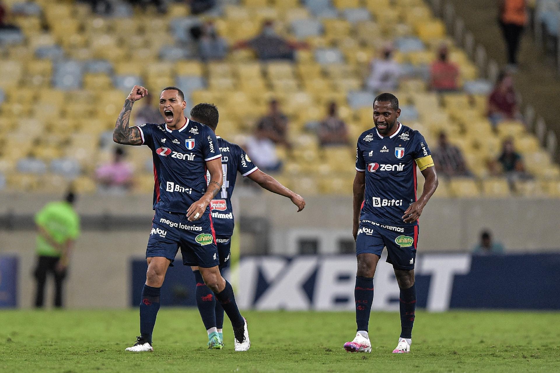 Titi marcou o segundo gol do Fortaleza na partida contra Fluminense, no Maracanã