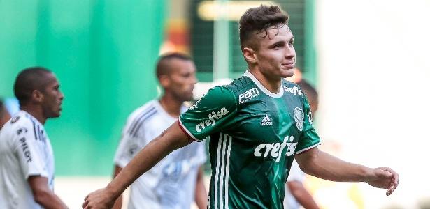 Raphael Veiga fez apenas sete jogos como titular do Palmeiras em 2017