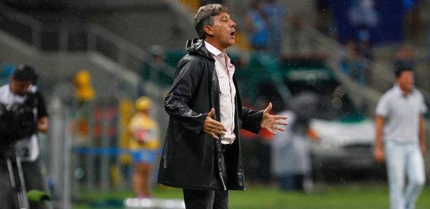 Renato Gaúcho comanda o Grêmio em vitória diante do Ypiranga