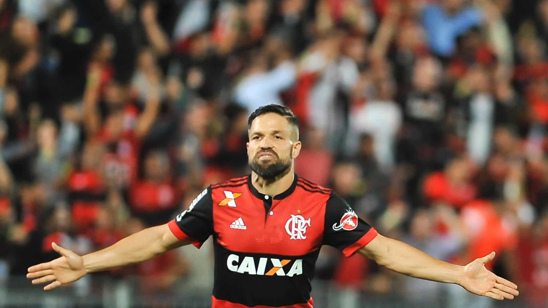 Diego abriu o placar para o Flamengo na Arena da Ilha contra a Chapecoense