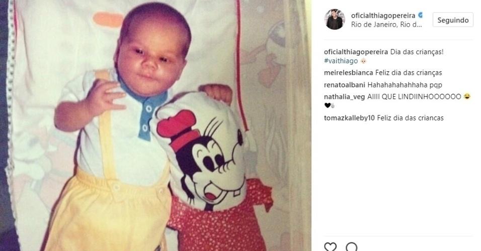 Thiago Pereira posta foto de quando ainda era criança