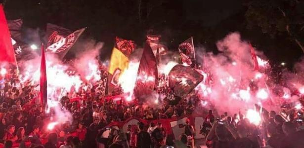 Atleticanos protestam: grupo convocou Assembleia para mudanças, à revelia da diretoria do clube