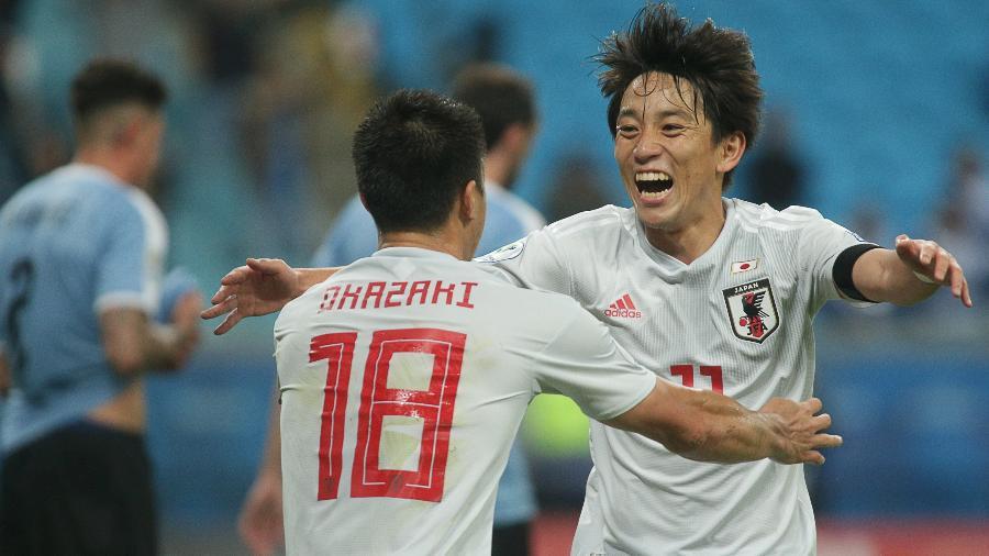 Miyoshi comemora gol do Japão contra o Uruguai, pela Copa América - Guilherme Hahn/Agif