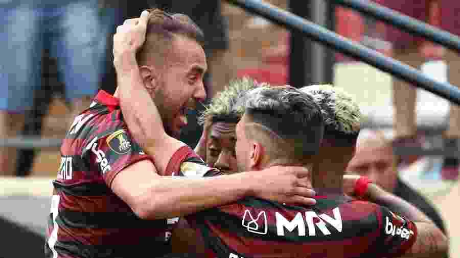 Jogadores do Flamengo comemoram título da Libertadores - Pilar Olivares / Reuters