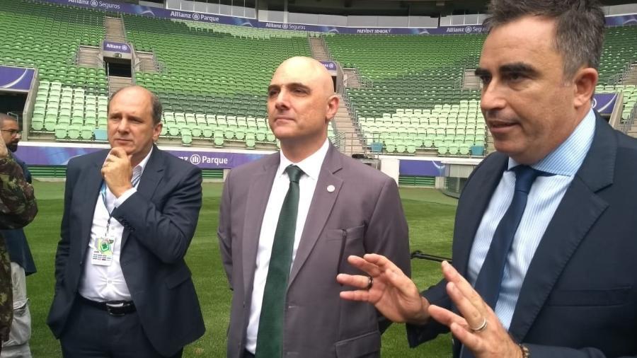 Luis Davantel (esq) e Mauricio Galiotte (centro): WTorre e Palmeiras têm falado mais a mesma língua - José Edgar de Matos/UOL Esporte