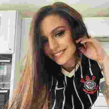 Cantora Cher Lloyd posta foto com camisa do Corinthians - Reprodução