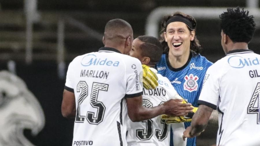 Jogadores do Corinthians comemoram gol contra o Inter em vitória na Neo Química Arena neste sábado (31) - Rodrigo Coca/Agência Corinthians