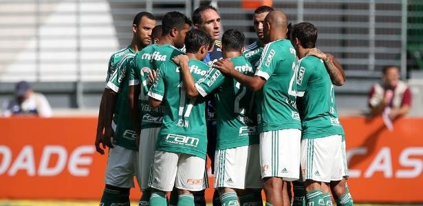 Palmeiras entrou em campo com três volantes para enfrentar o Santos - Cesar Greco/Ag Palmeiras