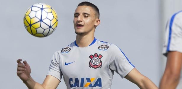 Guilherme Mantuan (foto), Pedrinho e Carlinhos vão aos profissionais
