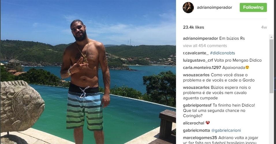 Adriano está sem clube desde que deixou os Estados Unidos. Sem clube ainda e sem saber se voltará ao mundo da bola, ele tem ostentado algumas paisagens