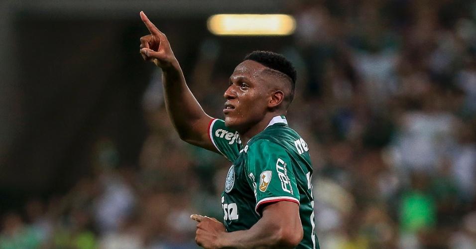 Mina comemora o gol da vitória do Palmeiras sobre o Jorge Wilstermann