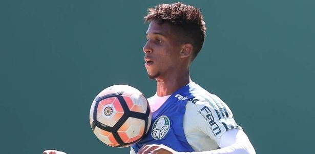 Vitinho chamou a atenção do Barcelona, que mira o jovem para o time B - Cesar Greco/Ag. Palmeiras