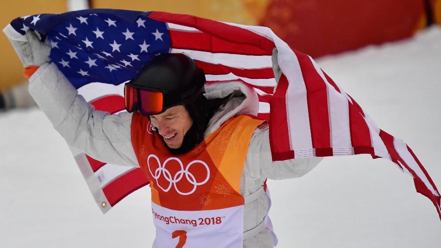Shaun White ganhou a medalha de ouro no snowboard - AFP PHOTO / Martin BUREAU