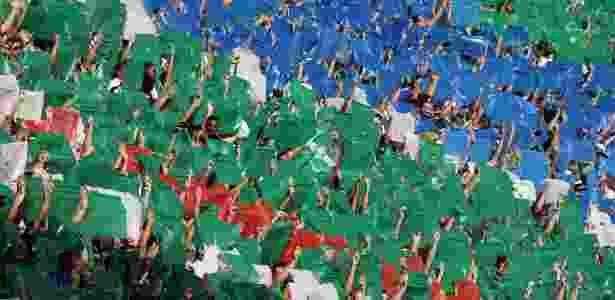Torcida do Palmeiras faz mosaico no Allianz Parque - Paulo Whitaker/Reuters