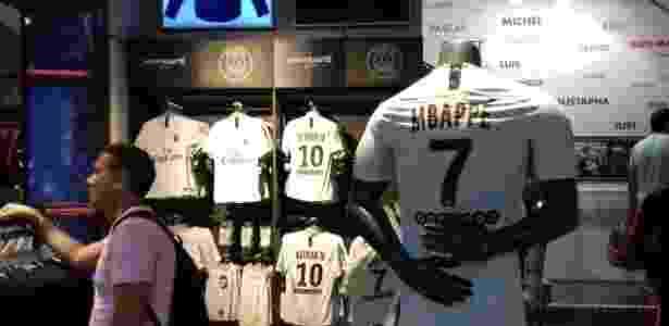 Camisa de Mbappé - João Henrique Marques/UOL Esporte - João Henrique Marques/UOL Esporte