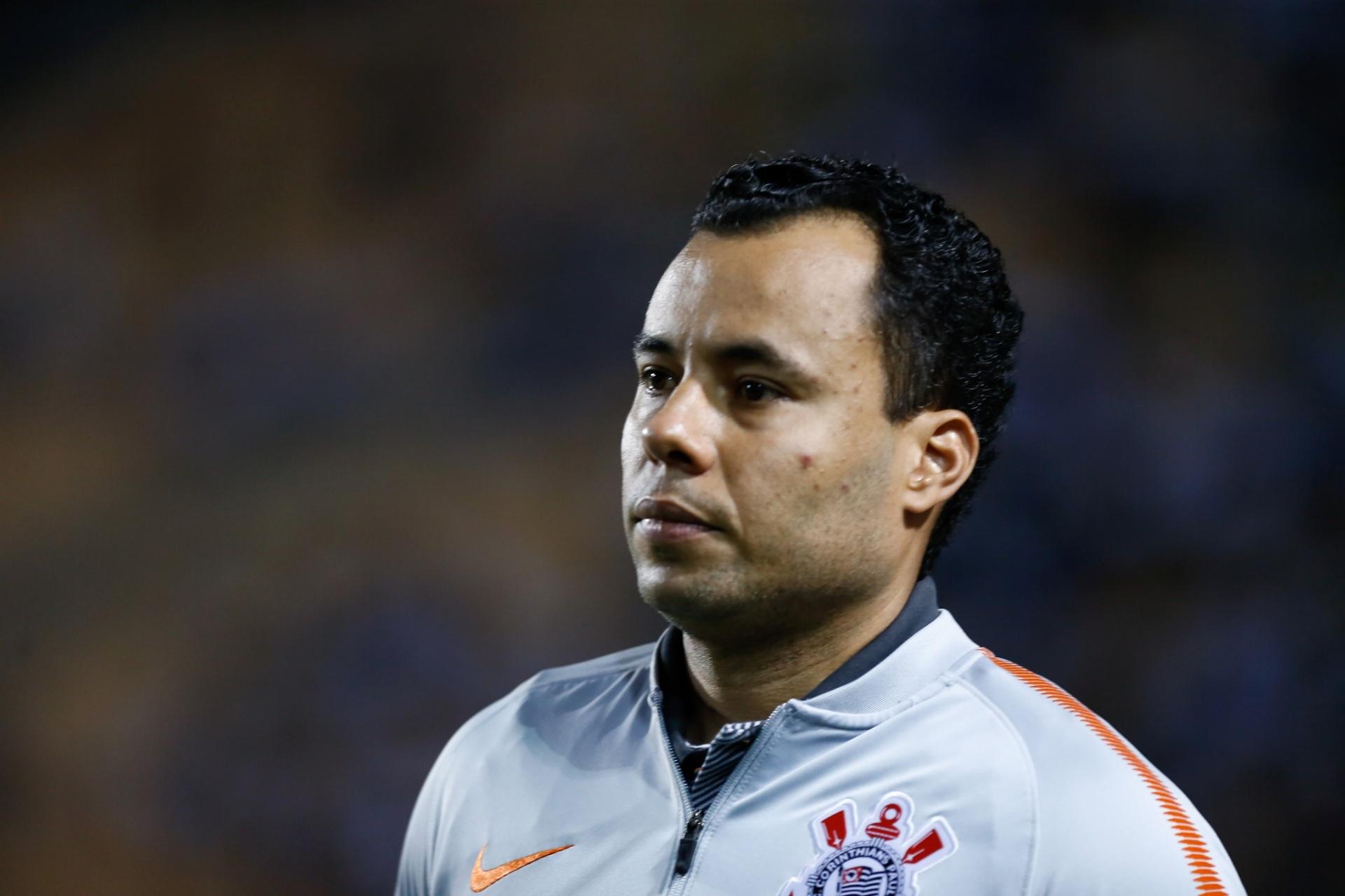 Corinthians piora com troca de Loss por Jair e vê zona da degola mais perto  - 14 10 2018 - UOL Esporte 22cb98bb5d604