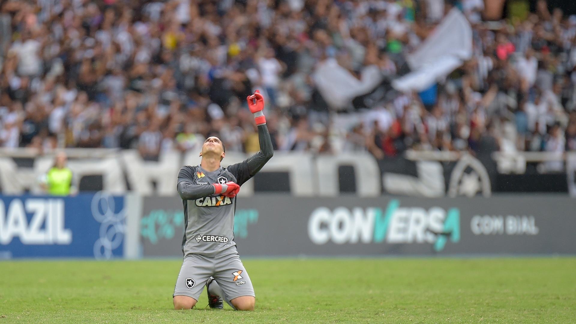Gatito Fernández comemora gol do Botafogo sobre o Corinthians