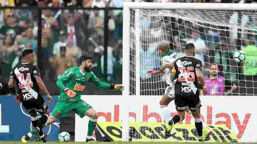 Deyverson não estava impedido quando marcou gol sobre o Vasco, na partida que deu ao Palmeiras o decacampeonato do Brasileirão - Ricardo Moraes/Reuters