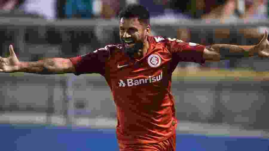 Rafael Sobis comemora gol da vitória do Inter sobre o Palestino, no Chile - Ricardo Duarte/Inter