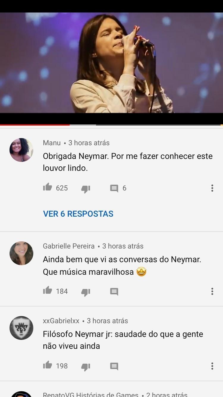 Muitas pessoas foram ouviram a cantora Luma Elpidio