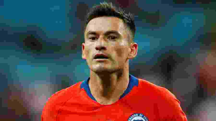 Charles Aránguiz, jogador da seleção do Chile, está perto de voltar ao Inter - REUTERS/Diego Vara