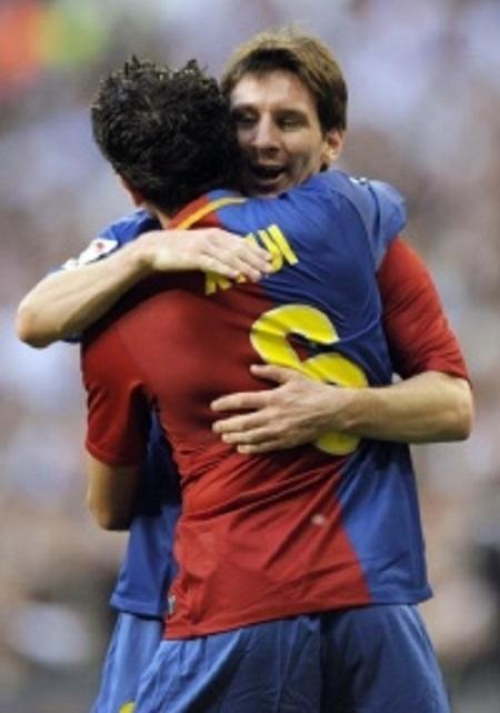 Messi e Xavi na goleada sobre o Real Madrid em 2009