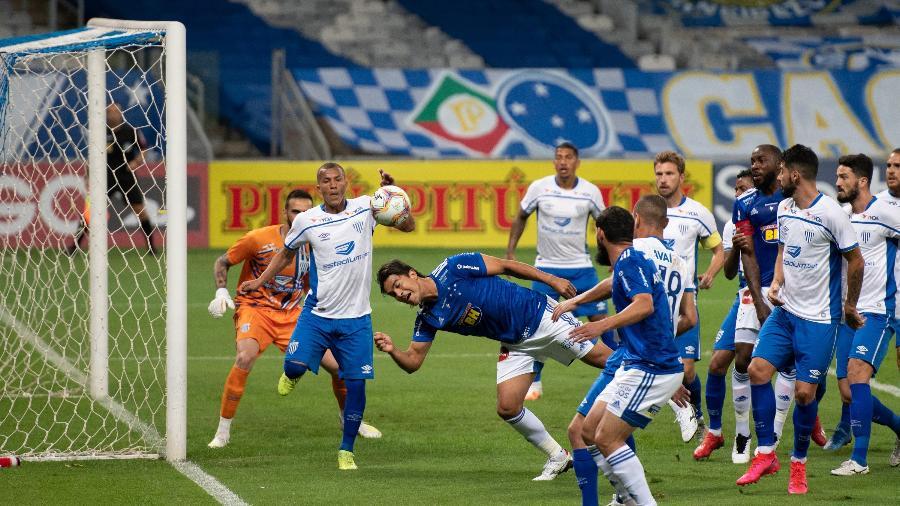 O Avaí surpreendeu o Cruzeiro no Mineirão na Série B de 2020 e venceu por 1 a 0 - Alessandra Torres/AGIF