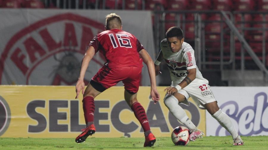 Galeano entrou na segunda etapa na estreia de Crespo no São Paulo - Rubens Chiri / saopaulofc.net