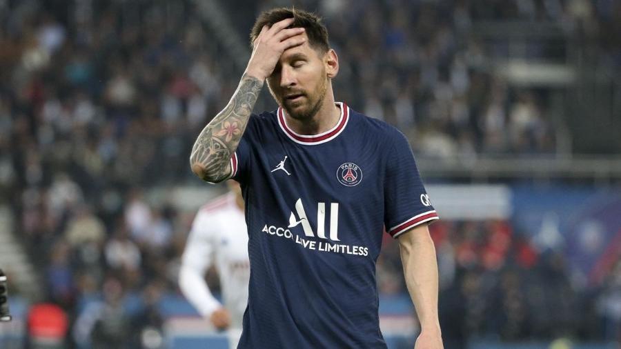 Lionel Messi lamenta mais uma atuação ruim do trio de ataque do PSG - Getty Images