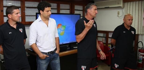Edgardo Bauza, Bruno Militano e José Daniel Dileo se apresentam ao elenco do São Paulo - Rubens Chiri/saopaulofc.net