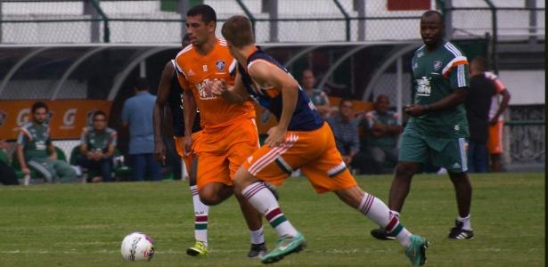 Diego Souza treinou entre os titulares do Fluminense na manhã desta terça-feira (09)